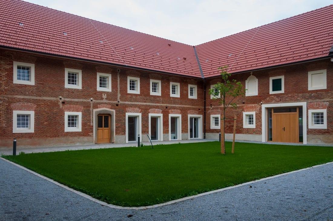Innenhof Garten und Terrasse TOP3